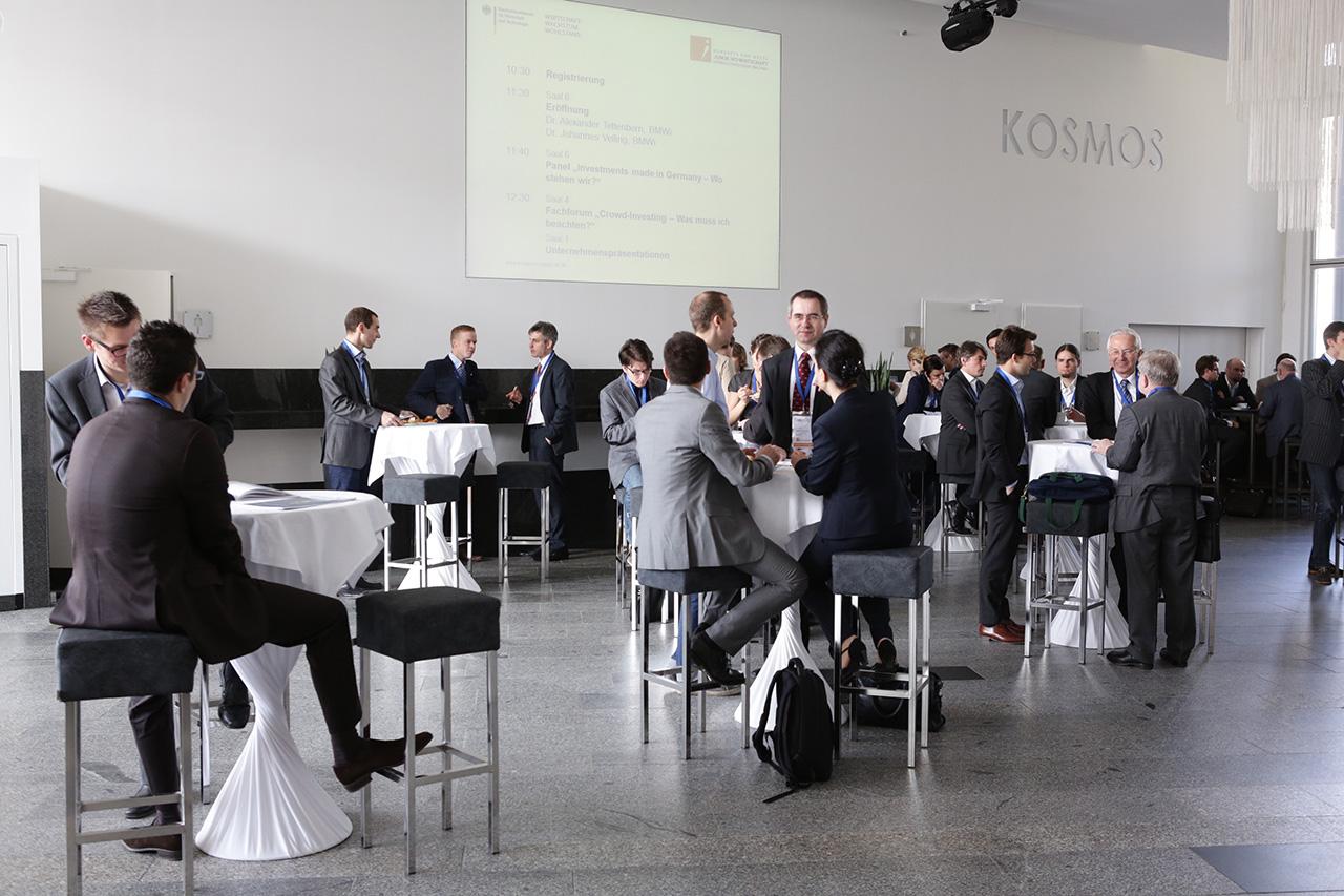 "DEU, Berlin, 23.04.2013, Kongress und Messe ""Junge IKT-Wirtschaft: Gruenden-Investieren-Wachsen"" im KOSMOS Berlin,  [ (c) Wolfgang Borrs, Wiener Str. 11, D-10999 B e r l i n, Mobile +49.171.5332491, www.borrs.de, mail@borrs.de ]"
