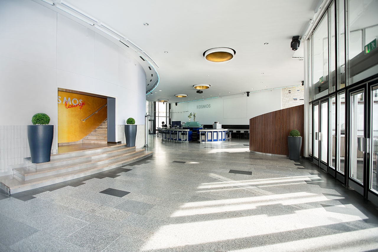 foyer-eingang-li